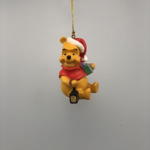 Kerst Ornament Kerstbal Winnie de Pooh met cadeau en lantaarn